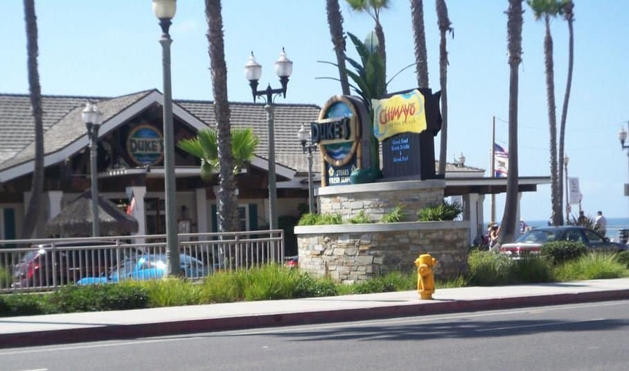 Dukes on the Pier in Huntington Beach