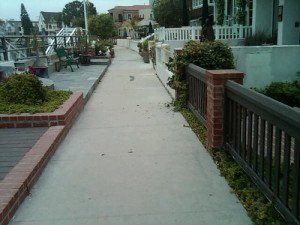walk-way-in-Naples-Long-Beach-CA-300x225