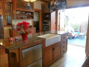 Kitchen of 2424 2nd St Long Beach CA 90803
