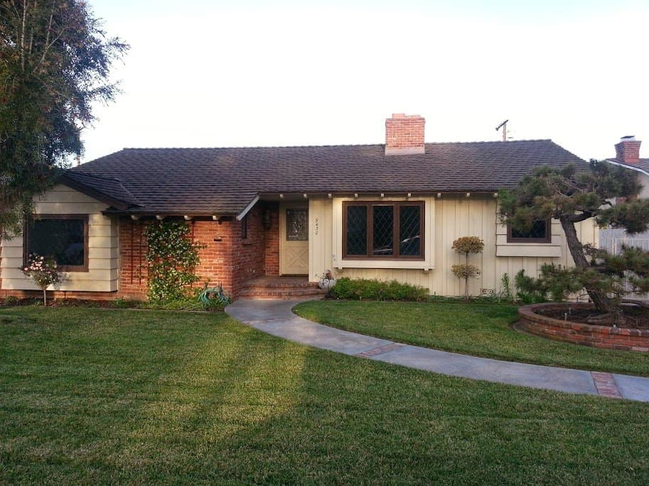 Downey homes 350000 to 450000 downey california real for A beach house in southern california now costs 350 000