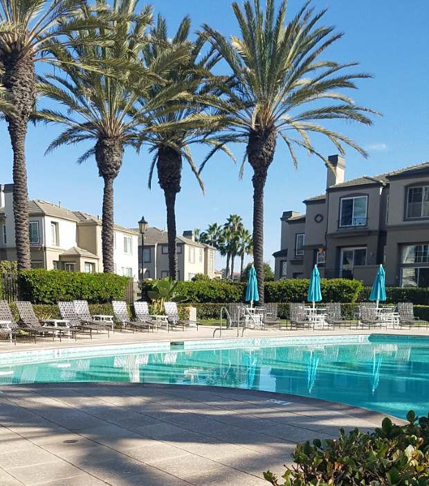 Surfcrest Townhomes Pool