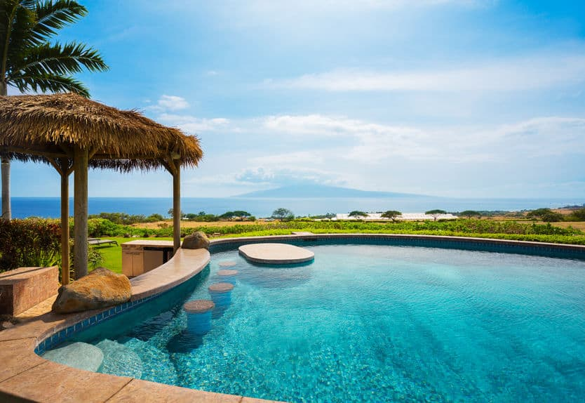 Long Beach Pool Homes