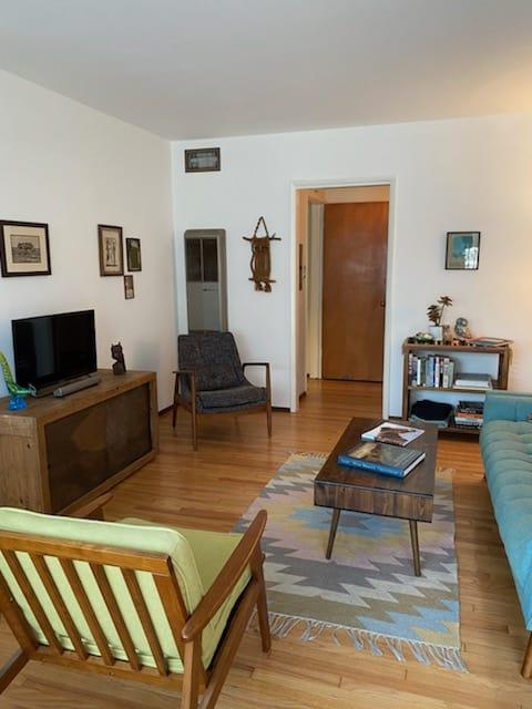 601 Olive #D Long Beach Family Room