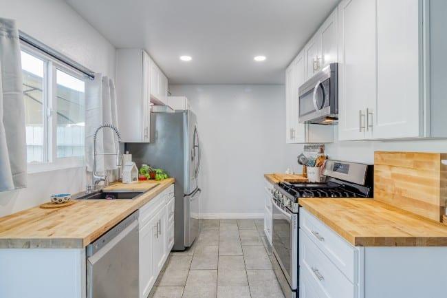 Kitchen of 17643 Newland HB